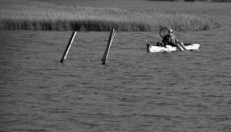 20100904-kayak-bw